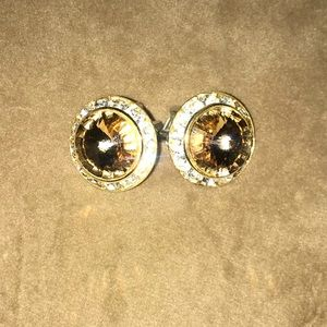 Jewelry - Adorable clip on earrings
